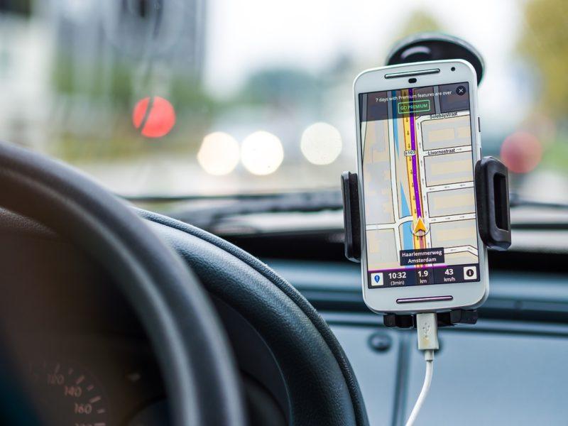 Nawigacja offline. TOP 5 aplikacji GPS na telefon działających bez Internetu