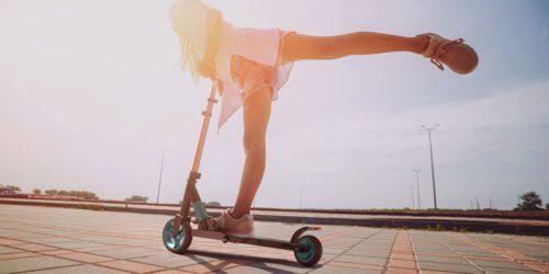 Co warto mieć przy sobie podczas wakacji? TOP technologicznych gadżetów na lato 2020