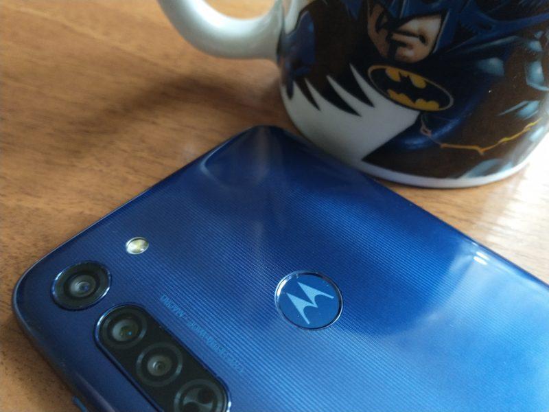 Motorola Moto G8 – recenzja. Czy budżetowa Moto jest jak Batman?