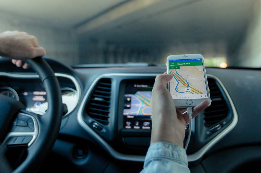 apliakcja offline na smartfonach do jazdy autem