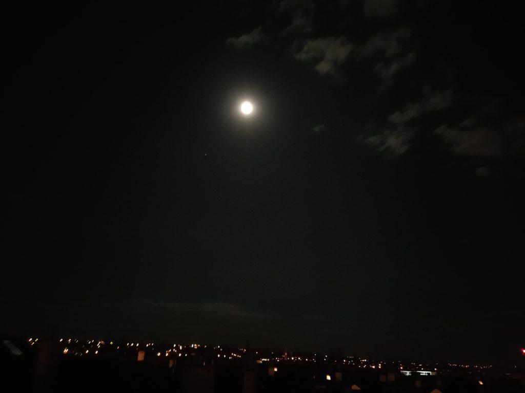 oppo reno3 pro zdjęcie bez trybu nocnego