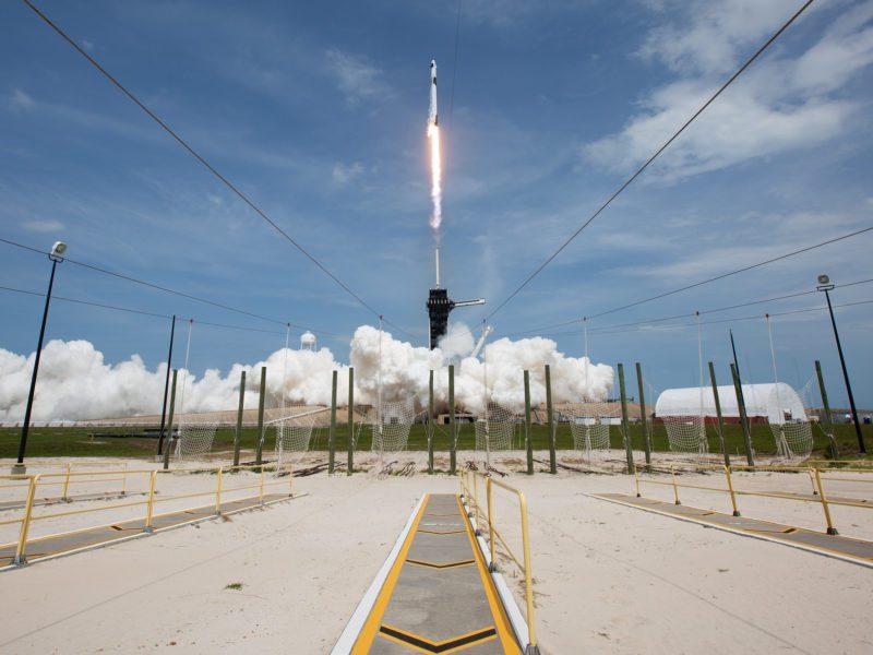 Wspólna misja SpaceX i NASA trwa. Załoga Dragona dotarła na ISS