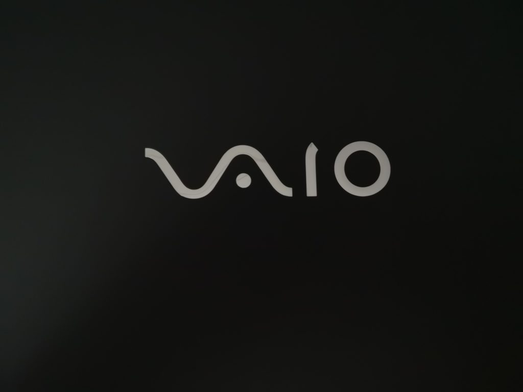 Vaio SX14 logo laptopa