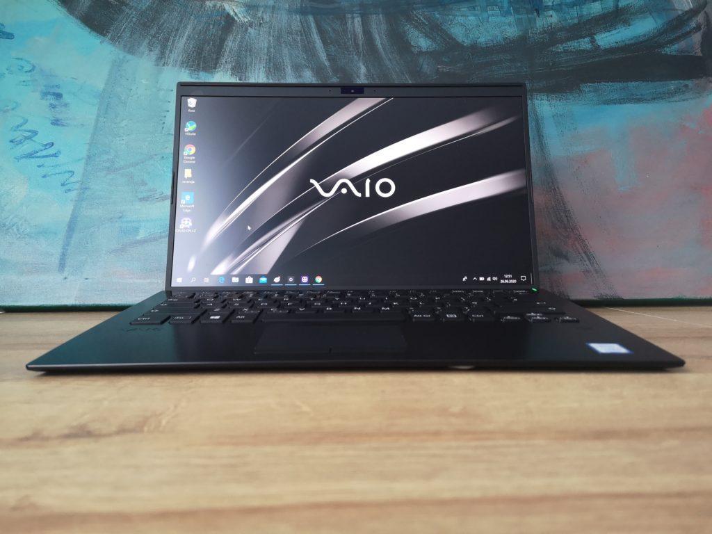 Vaio SX14 front laptopa