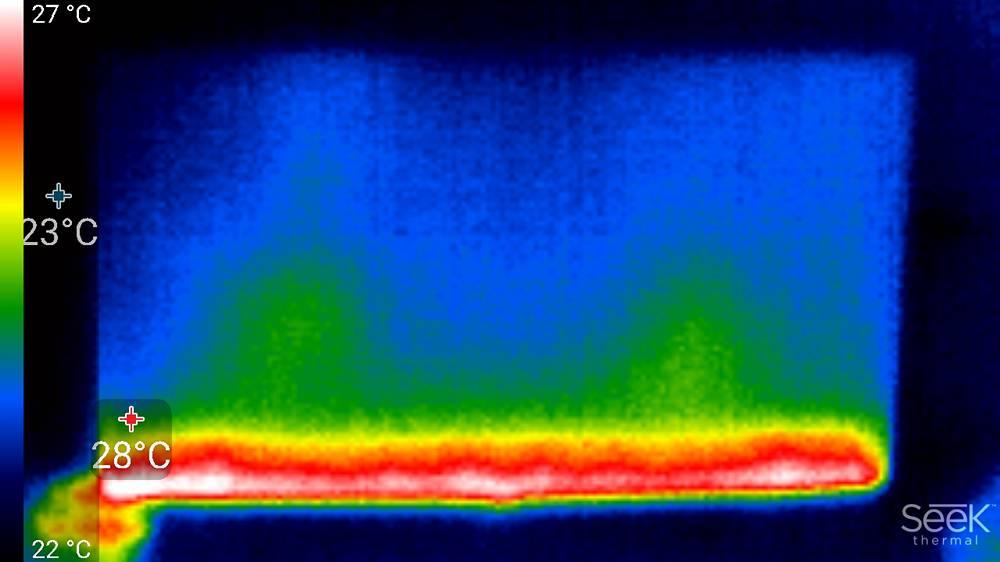widok z kamery termowizyjnej na ekran samsunga 65tu8502