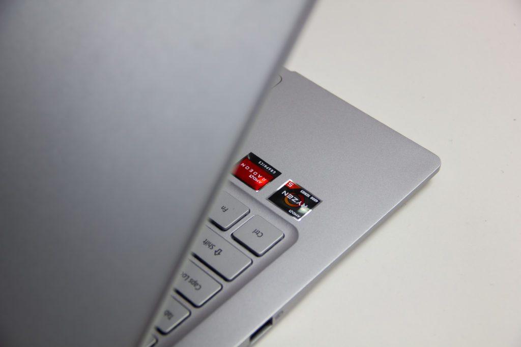 Acer Swift 3 Ryzen 5 4500U naklejki, artystyczne, klapa matrycy