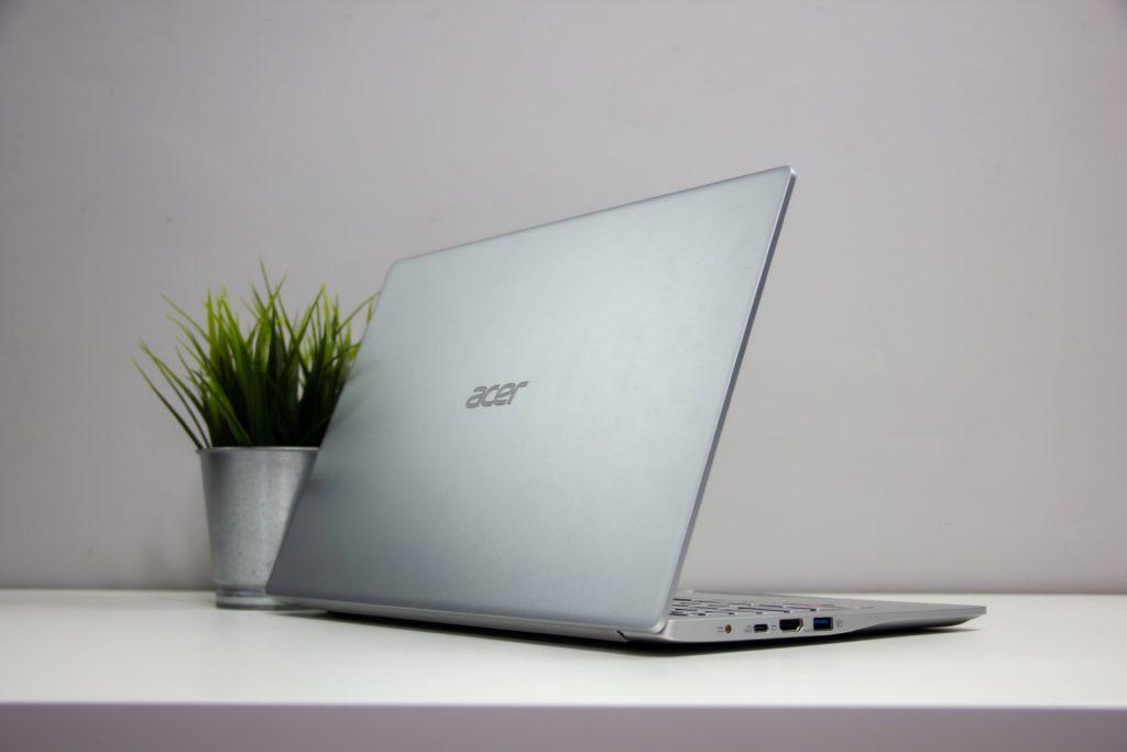 Acer Swift 3 Ryzen 5 4500U rzut z tyłu, oersoektywa zza