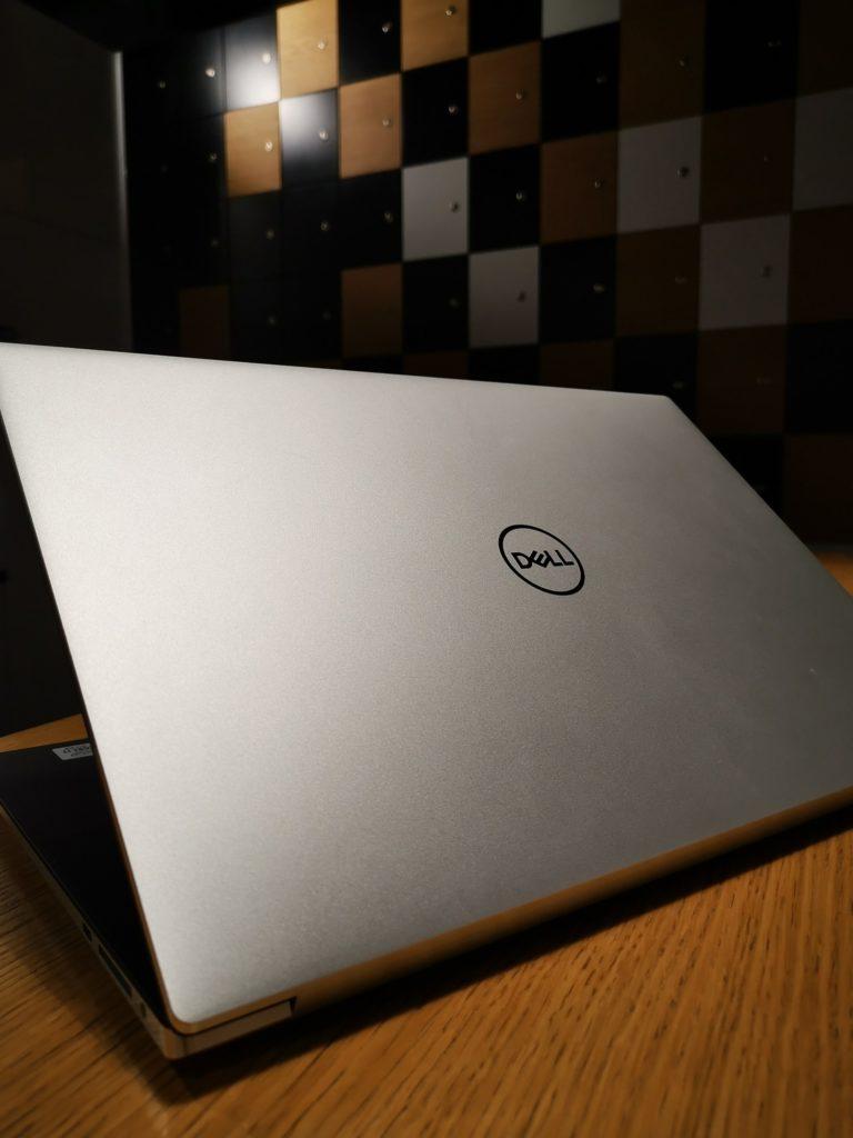 Dell XPS 15 9500 w biurze