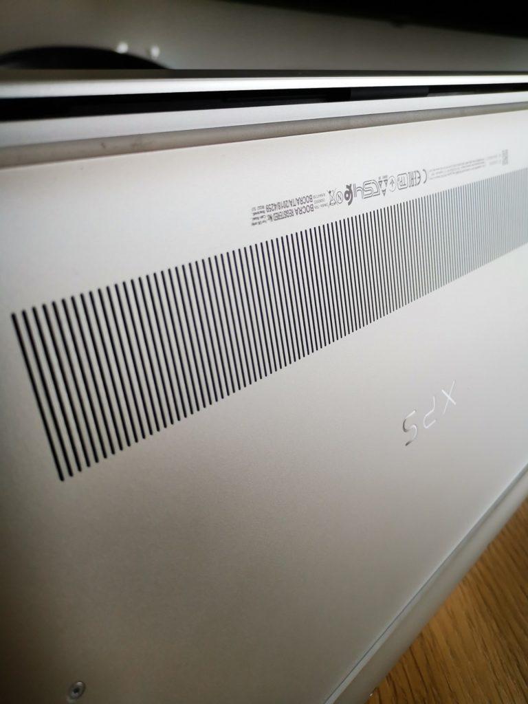 Dell XPS 15 9500 układ chłodzenia