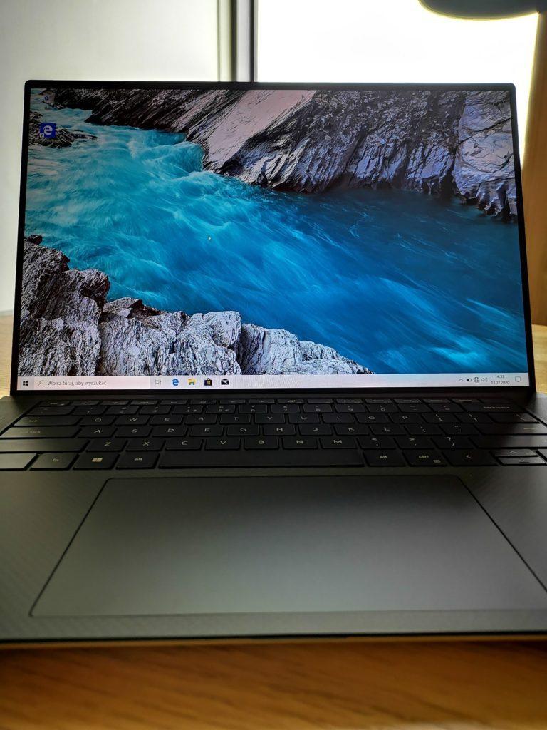 Dell XPS 15 9500 wyświetlacz 1900 x 1200 px