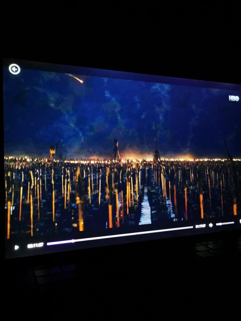 Dell XPS 15 9500 ciemne sceny nocą