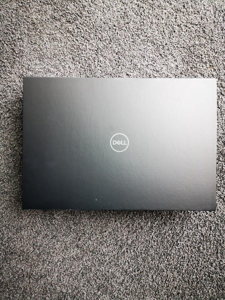 Dell XPS 15 9500 pudełko z laptopem