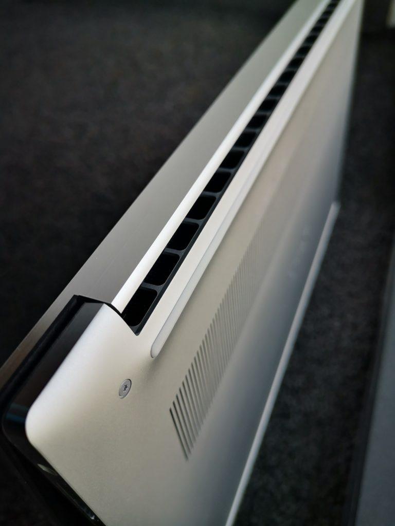 Dell XPS 15 9500 wylot powietrza