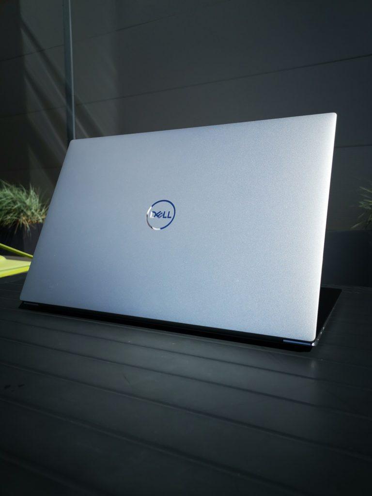 Dell XPS 15 9500 pokrywa z metalu