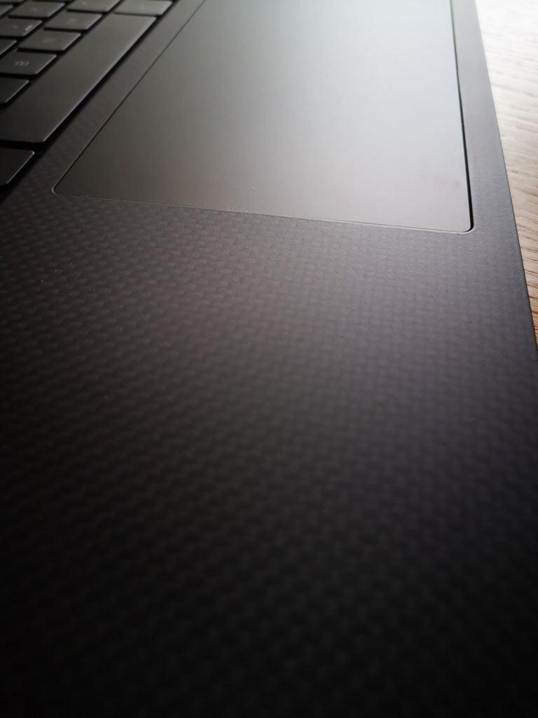 Dell XPS 15 9500 powłoka z włókna węglowego