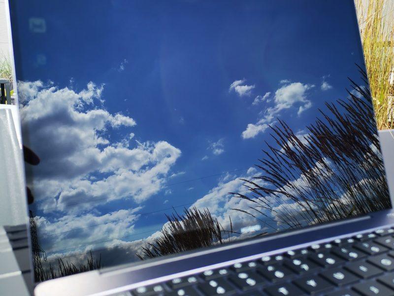 Recenzja Huawei MateBook 13 2020 z AMD Ryzen 5 3500U. Jest tańszy, ale czy tak samo dobry?