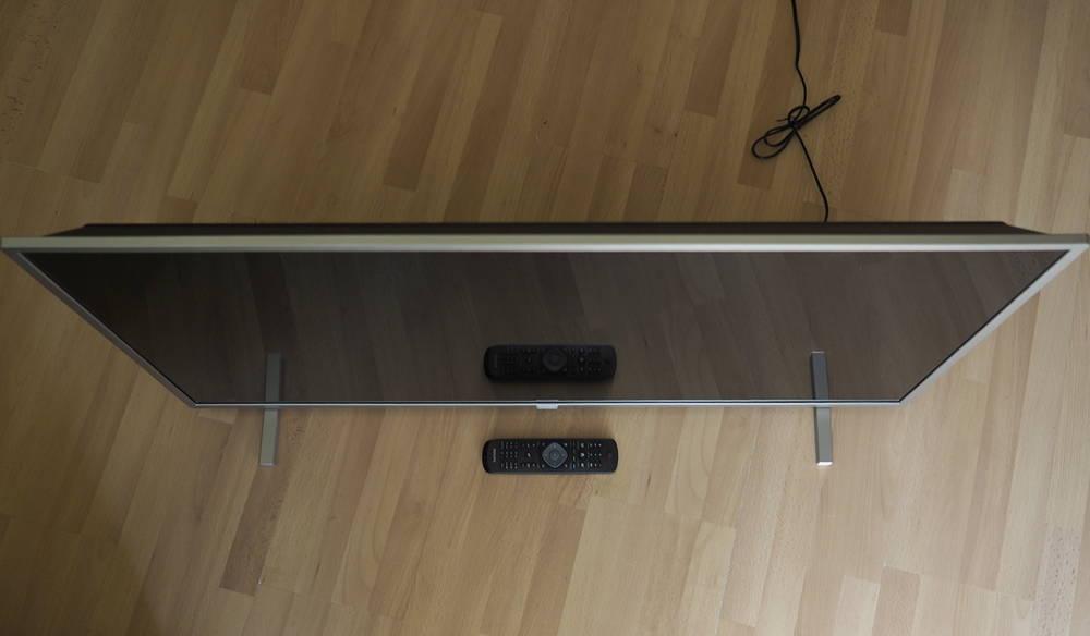 telewizor philips 43PFS5525 widziany z góry