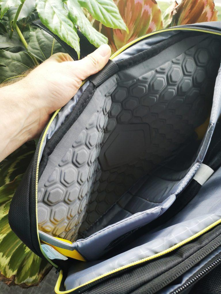 Wnętrze torby Targus City Gear 15
