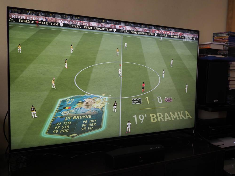 gra FIFA 20 na ekranie sony kd 55xh9505