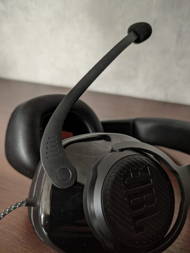JBL Quantum 200 i 300 rozkładany mikrofon