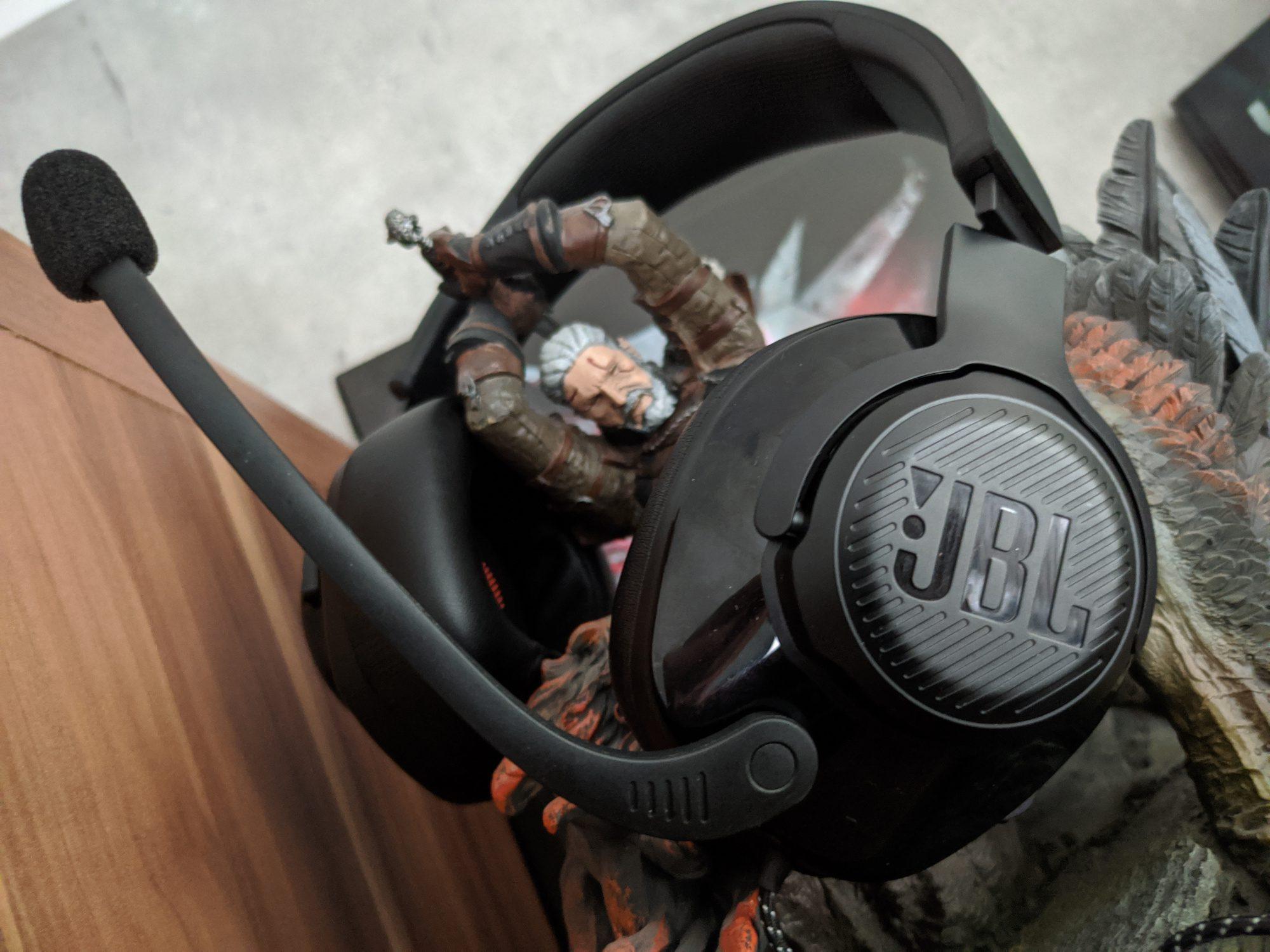 Recenzja słuchawek JBL Quantum 200 i 300 – Jest nieźle, ale mogło być lepiej