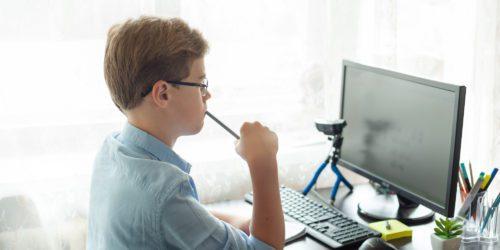 Monitor dla ucznia - co wybrać, na co zwrócić uwagę?