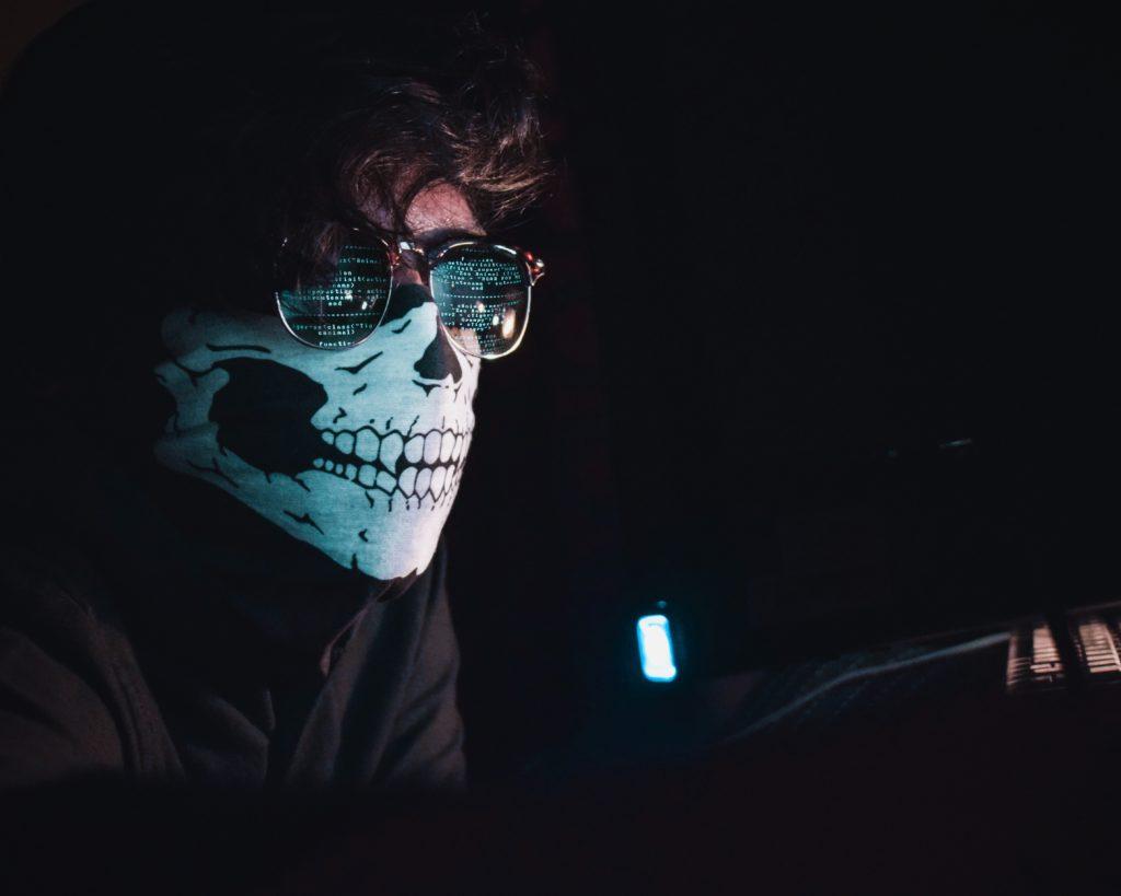 Haker przy pracy