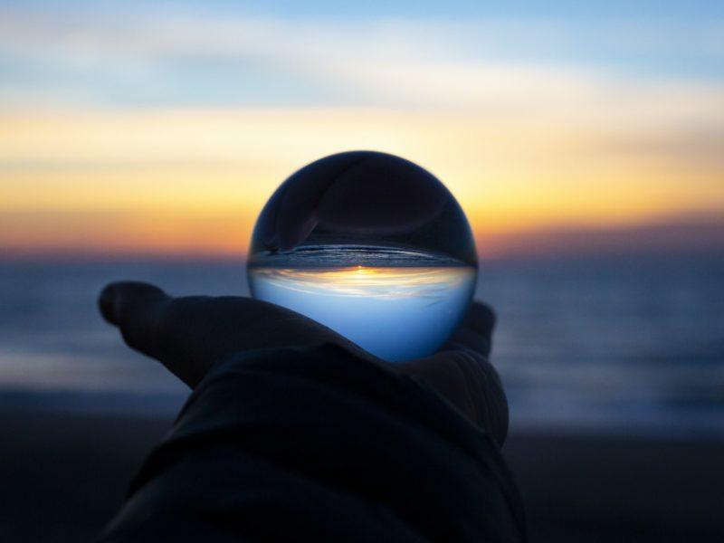 Zawody przyszłości. Czym będziemy zajmować się w świecie zdominowanym przez sztuczną inteligencję?