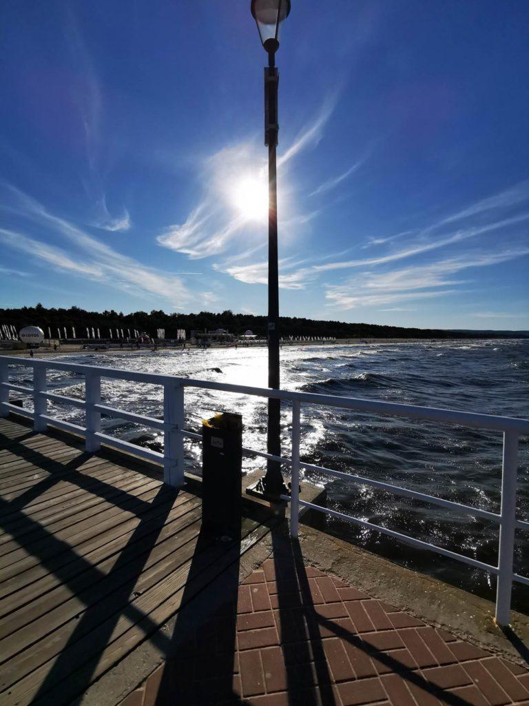 P30 Pro zdjęcie chmur nad morzem