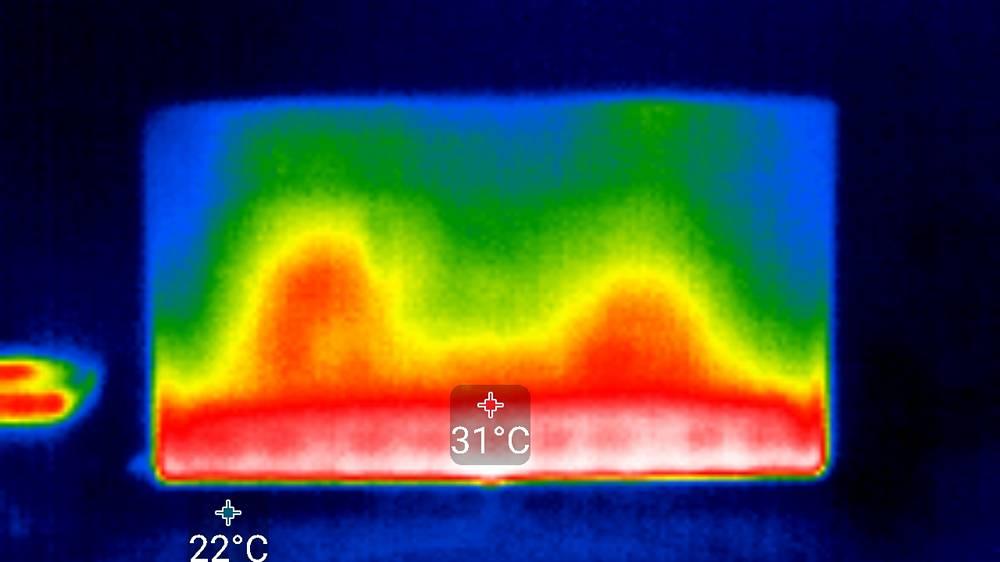 obraz z termogramu, który pokazuje podświetlenie samsunga 50tu8502u