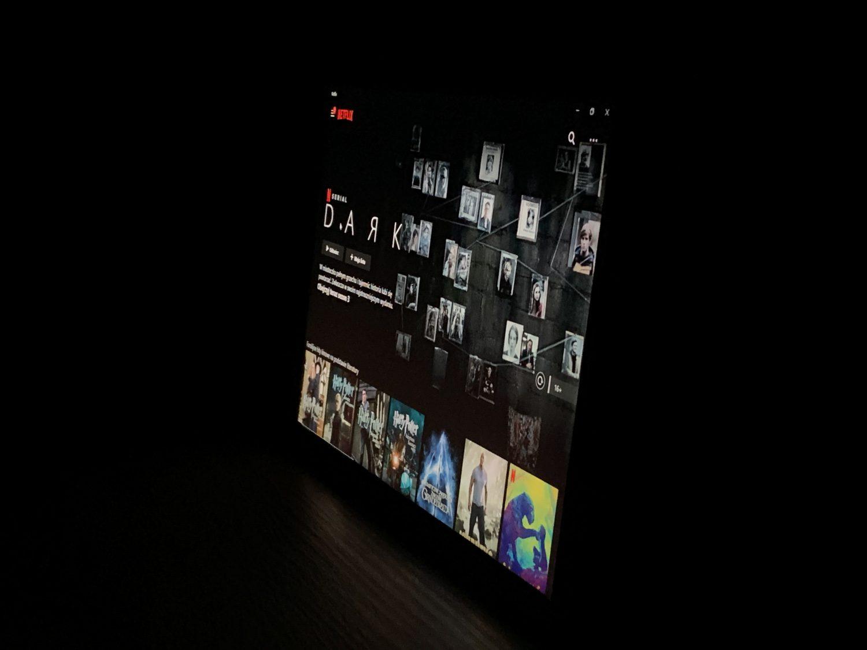 ekran surface go 2 z prawej strony