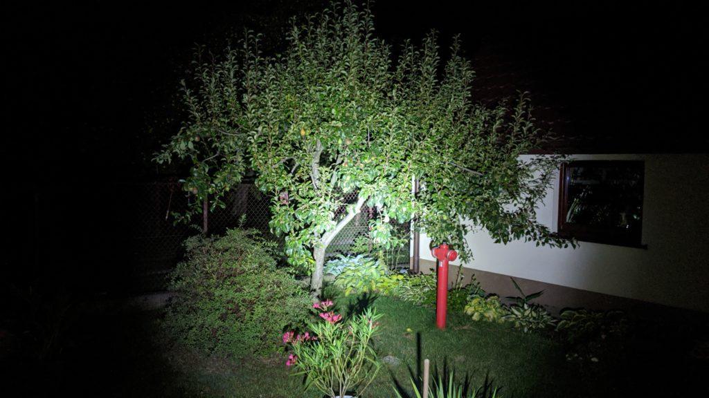 zdjęcie z latarką oukitel wp7