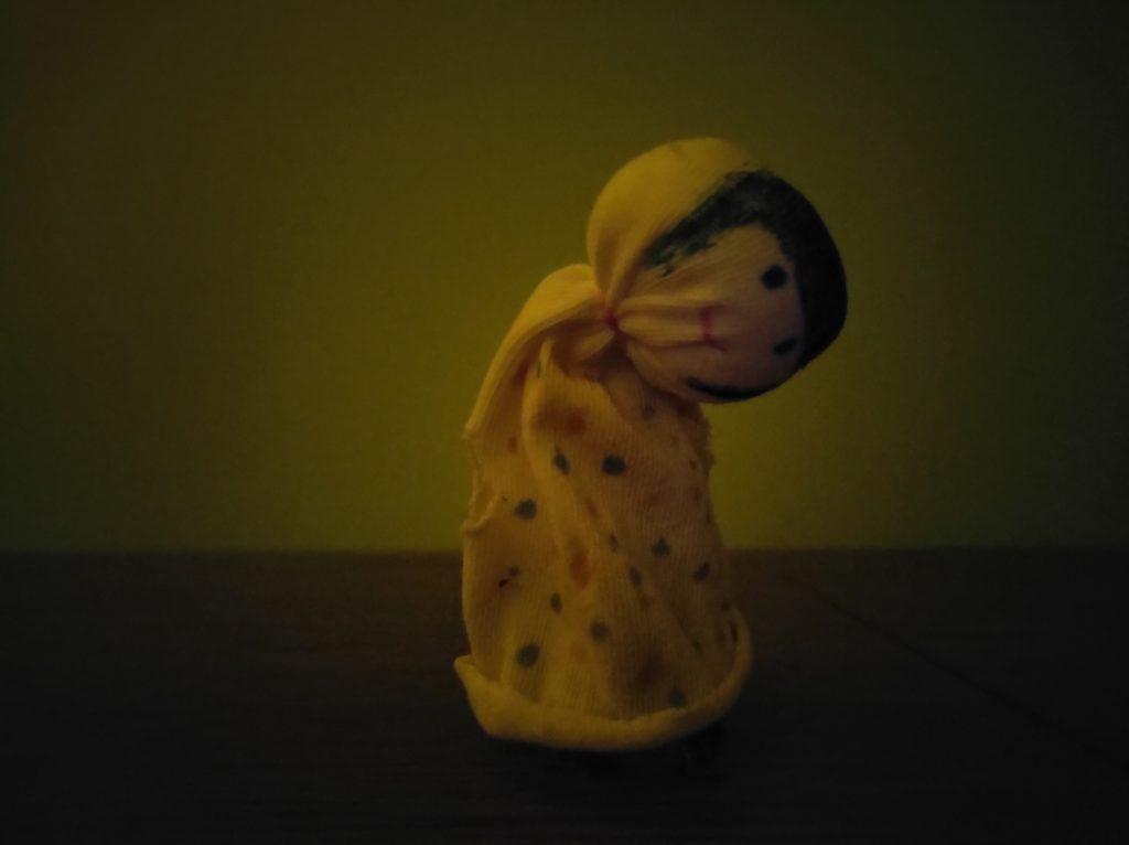 motorola edge szmaciana lalka zdjęcie nocne
