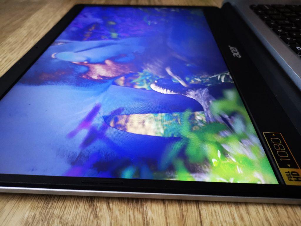 Acer Chromebook 314 widok ekranu z lewej strony