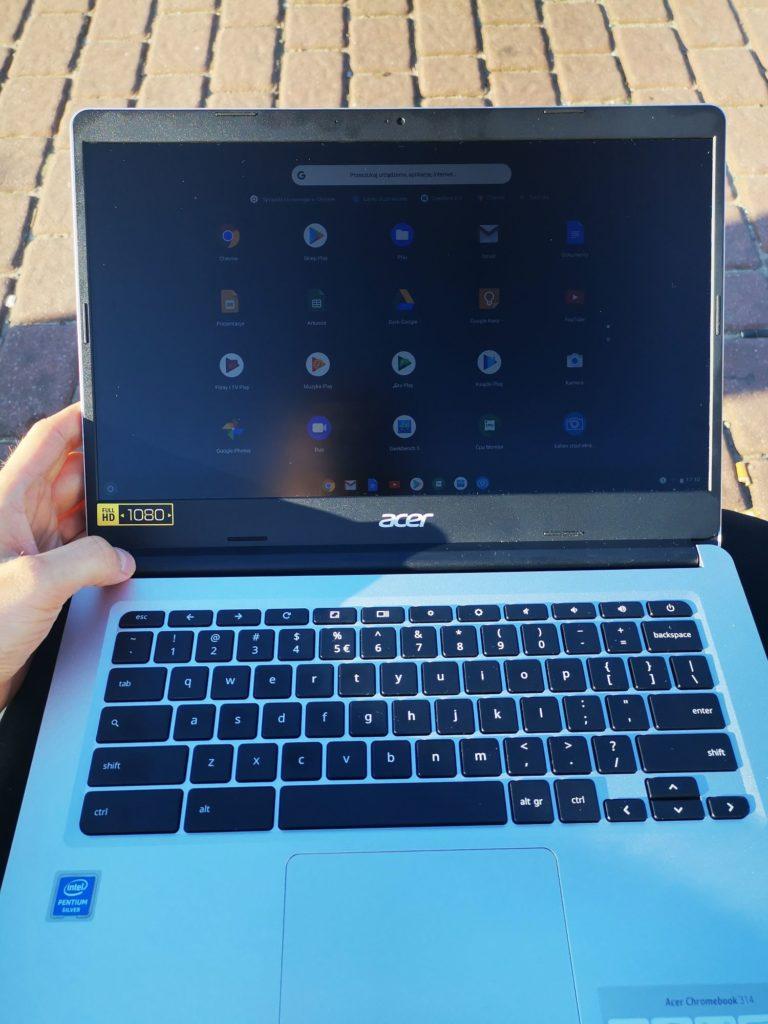 Acer Chromebook 314 w słońcu