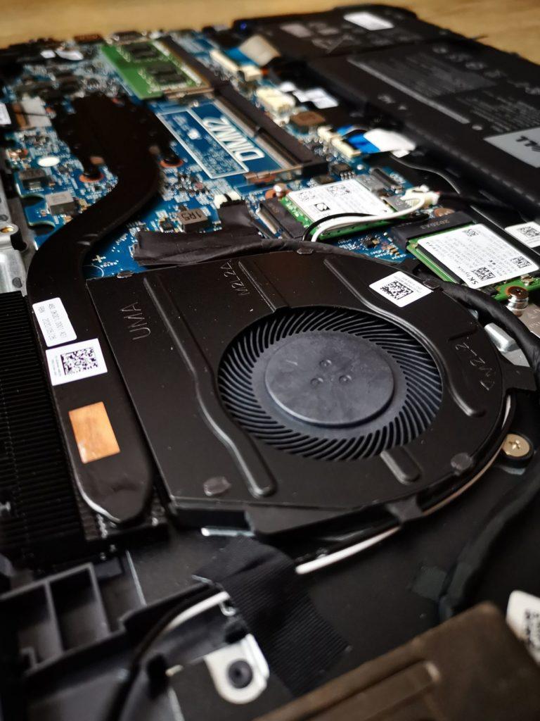 Dell Latitude 3510 chłodzenie laptopa