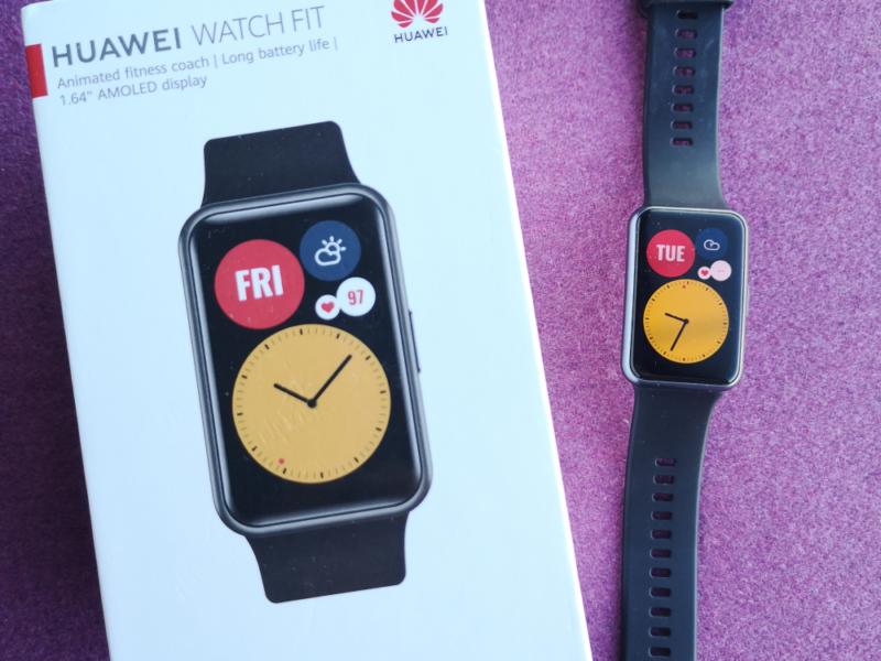 Test i recenzja Huawei Watch Fit. Czy debiut nowego smartwatcha z portfolio Huawei jest udany?