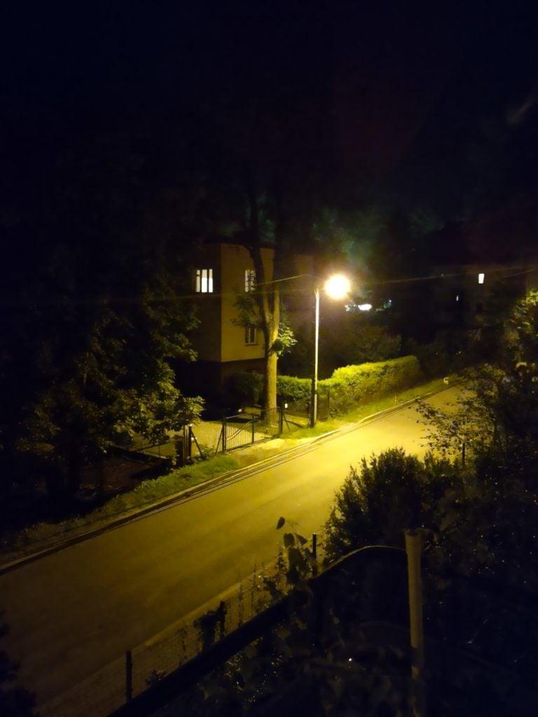 moto g 5g plus noc bez lampy 2