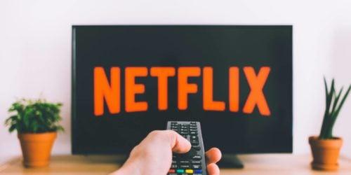 Oglądaj Netflixa bez dostępu do Internetu. Nowa funkcja pobierze za Ciebie filmy i seriale