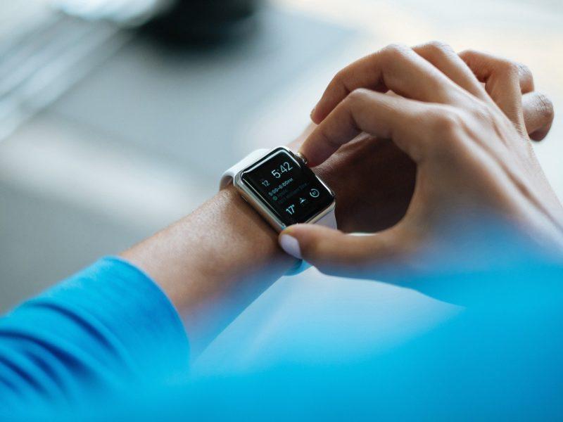 Jaki był najpopularniejszy smartwatch w 2020? Oto najnowsze dane z rynku