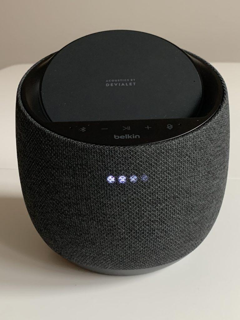 Belkin SoundForm Elite średnia głośność