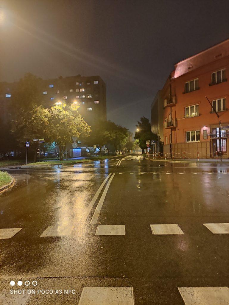tryb noc ulica poco x3 nfc