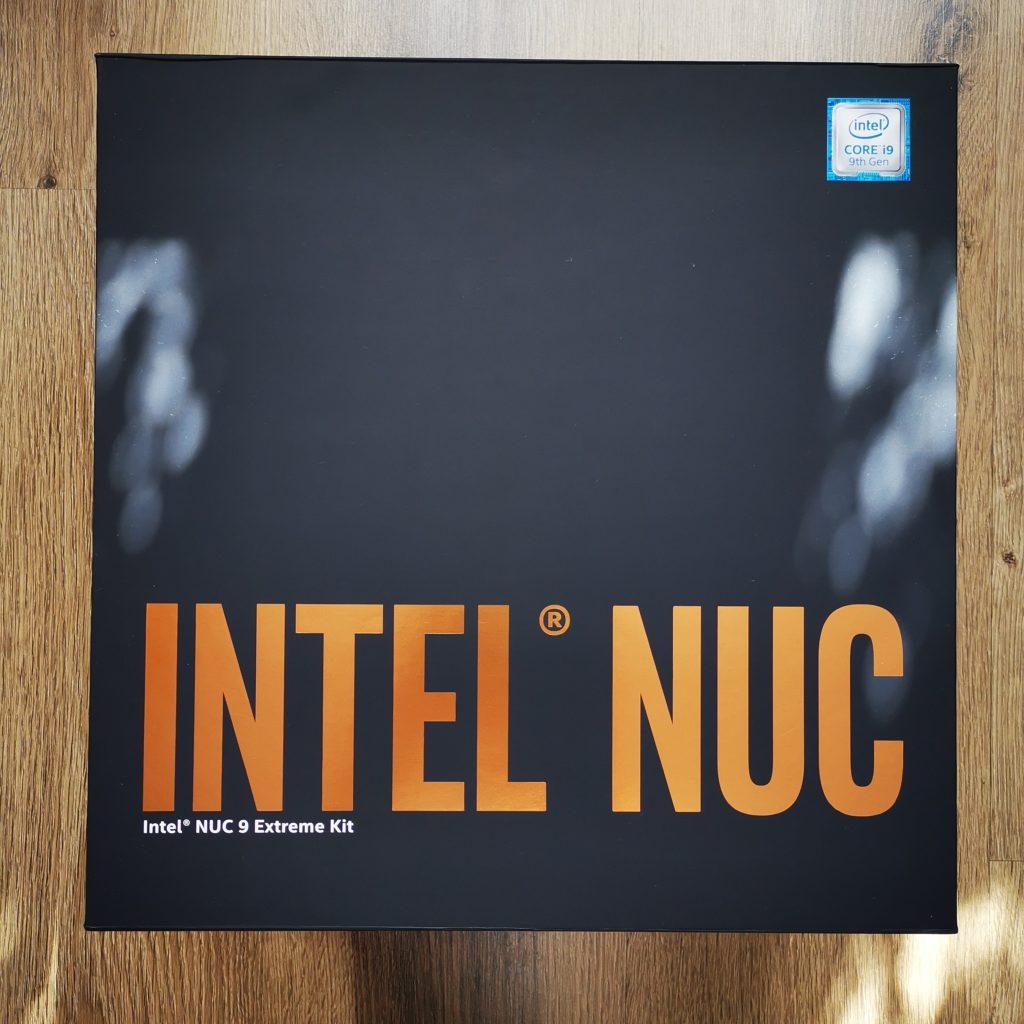 Intel NUC 9 Extreme pudełko