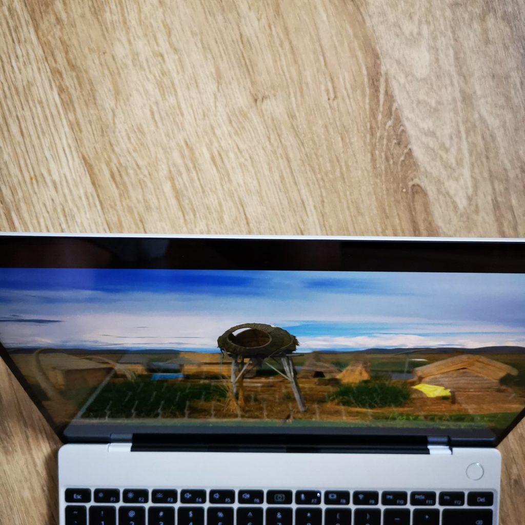 MateBook X 2020 kąty widzenia góra