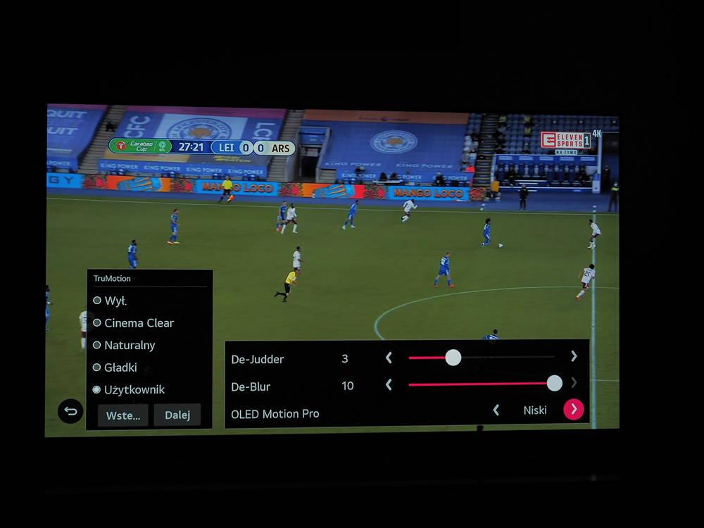 mecz piłki nożnej na ekranie lg oled 55cx