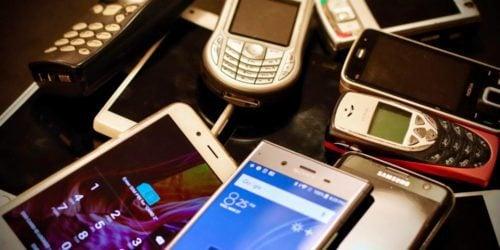 Powrót do przeszłości – telefony, które podbijały świat w 2002 roku