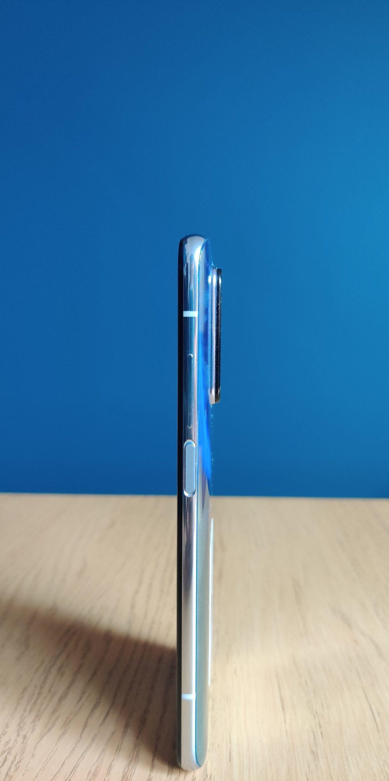 Xiaomi Mi 10T Pro bok i przyciski