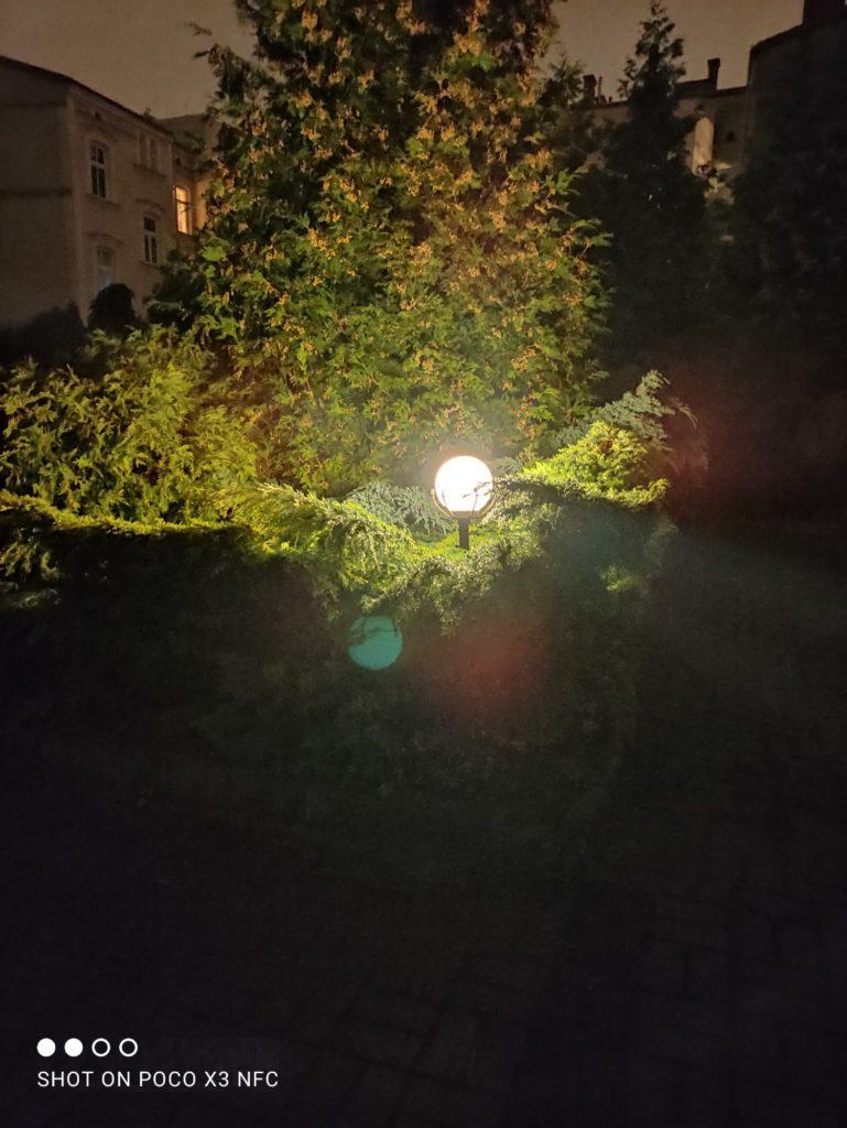 lampa tryb noc poco x3 nfc