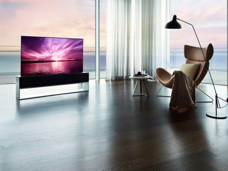 Zwijany telewizor LG już w sprzedaży. Cena robi wrażenie