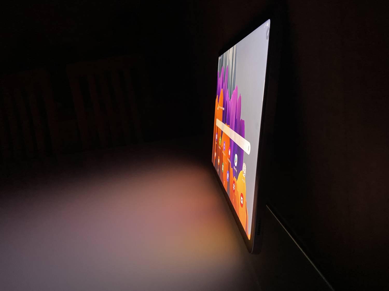ekran Tab S7 pod kątem